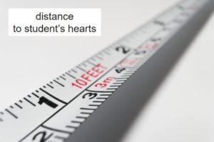 生徒との心の距離
