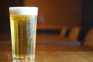 左ききのエレン4-ビール